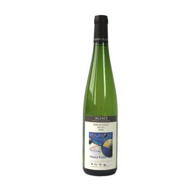 Vin complexe avec un joli nez fruité et élégant. Très belle longueur en bouche pour un Riesling de cette minéralité. Accompagne parfaitement une choucroute typique alsacienne !